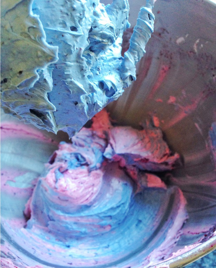 Blaue Torte Creme