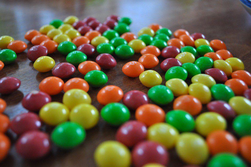Süßigkeiten-Torte Skittles